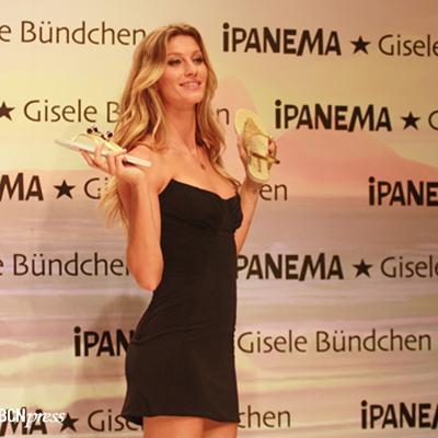 06ABRIL2011 Presentación en Estambul de la colección Ipanema de sandalias, con Gisele Bündchen. Foto: Convoca.