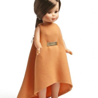 02OCTUBRE2013 Nancy se viste a la moda actual, en su 45 aniversario, con diseños exclusivos. Duyos. Foto: Museo de Traje de Madrid.