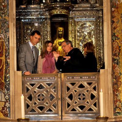 14JULIO2011 Los Príncipes de Asturias visitaron  la Abadía de Montserrat y besaron a la Moreneta. Foto: Agencias.