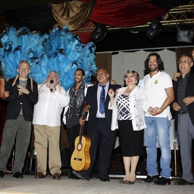 """01JUNIO2012 Presentación del libro de Josep Sandoval """"Dime con quién vas"""", con un padrino de lujo, Jean Paul Gaultier. Foto: Jordi Martin."""