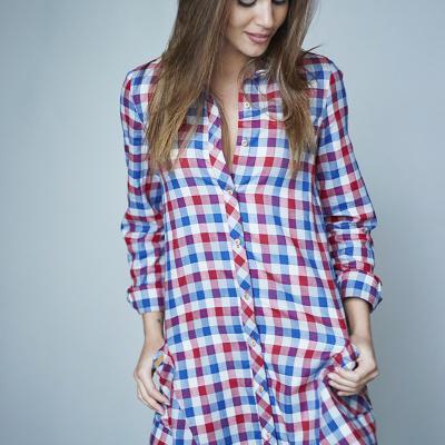 ENERO2018 Lara Álvarez crea la firma de ropa BLUE PALM.