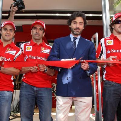 19MAYO2011 Inauguración de la primera Ferrari Store de España, concretamente en Barcelona, con la presencia de Fernando Alonso, Felipe Massa y Marc Gené. Foto: Fotoformat.