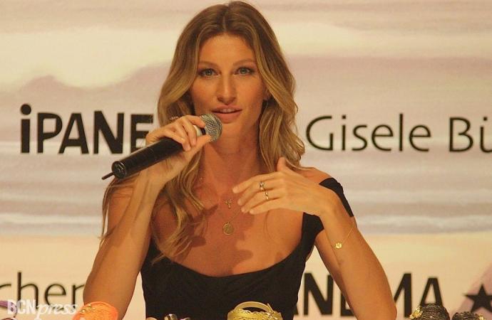 Gisele Bündchen estrella de la presentación de sandalias Ipanema