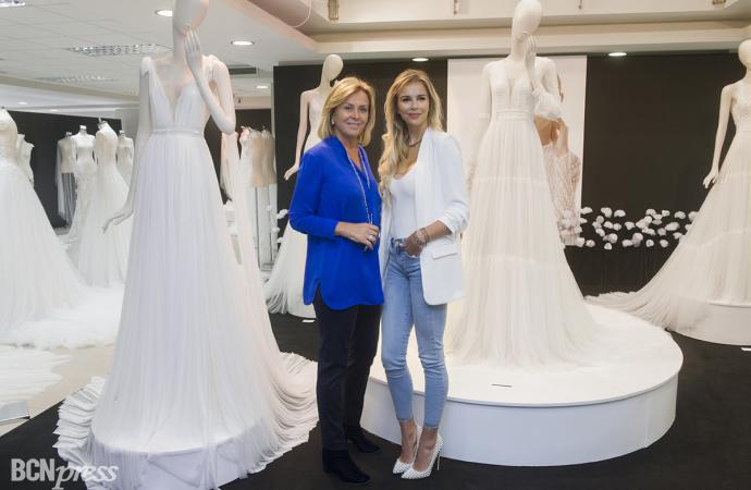 Rosa Clará enseña el mayor showroom de moda nupcial