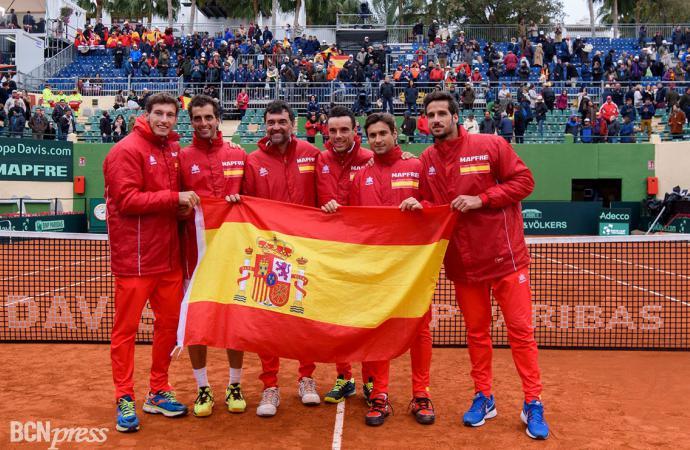 España gana en la primera ronda de la Copa Davis