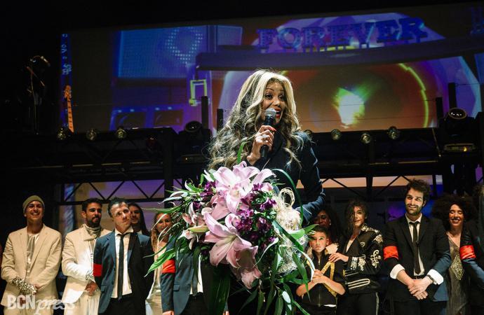 La Toya Jackson aplaude  el espectáculo sobre su hermano Michael Jackson